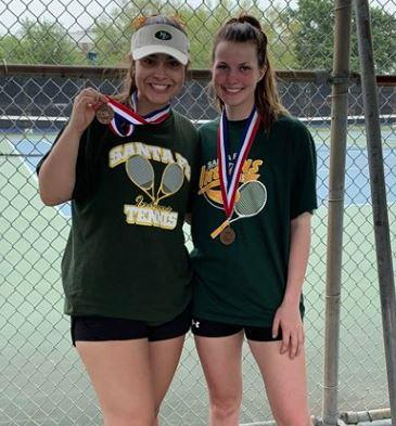 Santa Fe High School Juniors, Cassi Cruz and Rachael Douglas, Advance to Regionals in Tennis